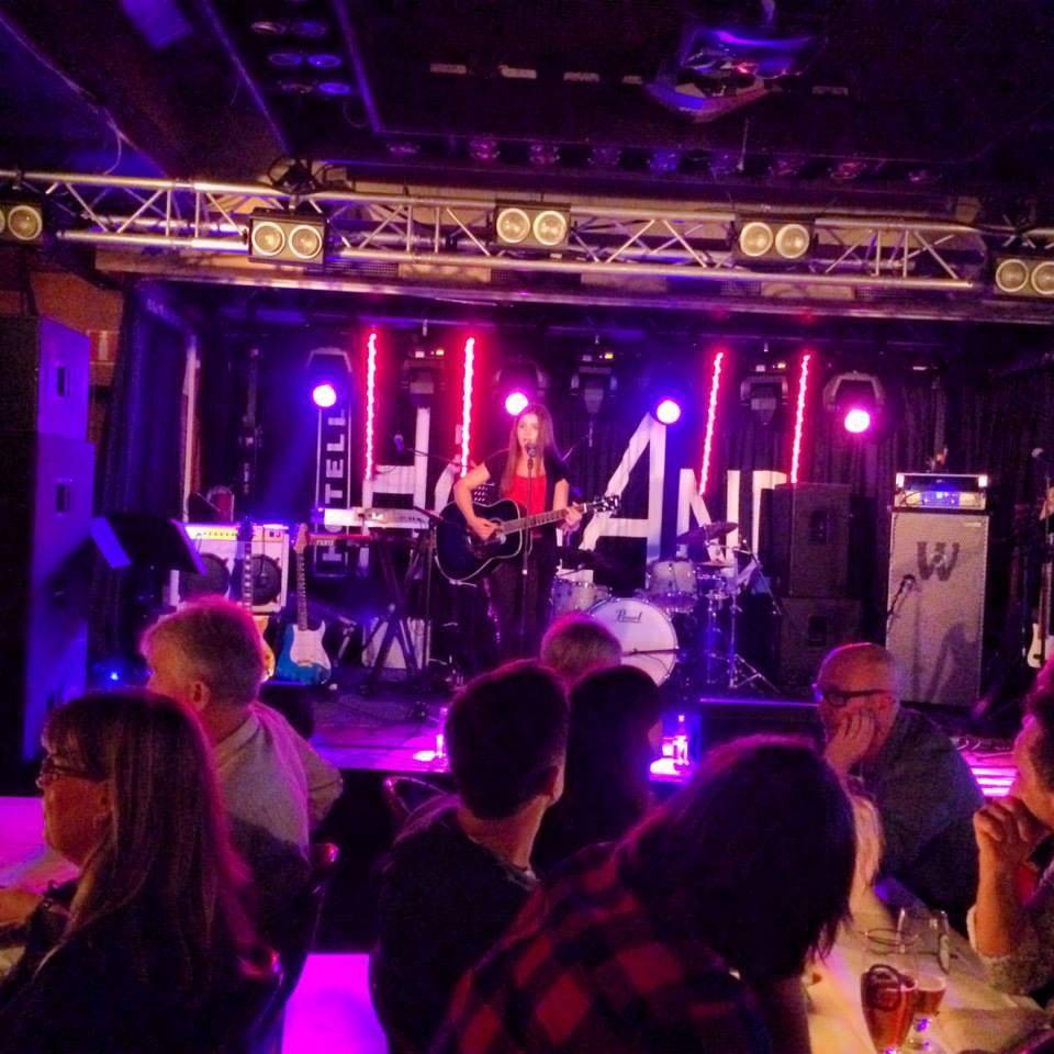 Nicole Zanetti medverkade på Stage Academy Audition Hotell Högland och är gästartist på Våryran.